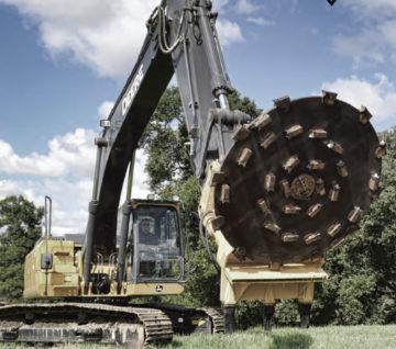 Diamond Mowers Excavator - Saunders Equipment