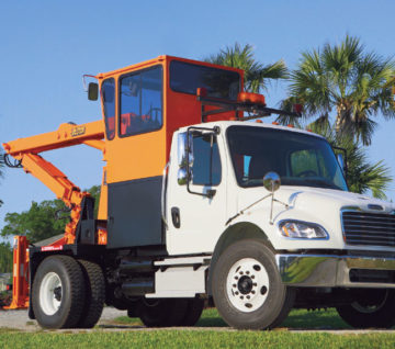 The Petersen RS-3 is the most advanced and efficient system for collecting trash on the market. Read more about our rear steer truck.